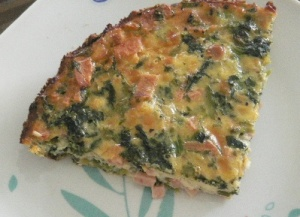Quiche with spinach and ham