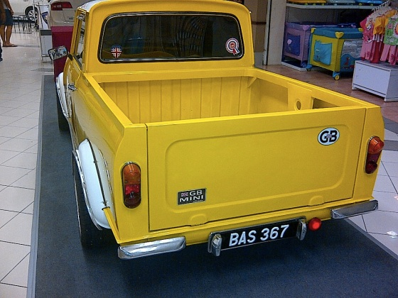 images_mini_cooper_pickup_backview