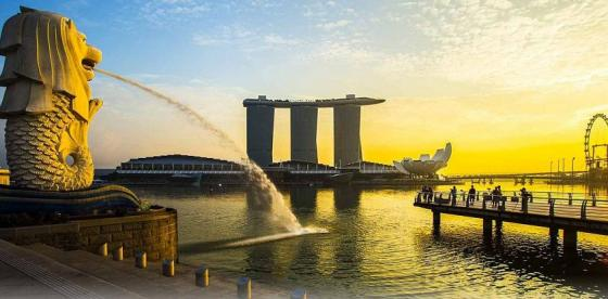 Beautiful sunset over the Merlion Park, Singapore