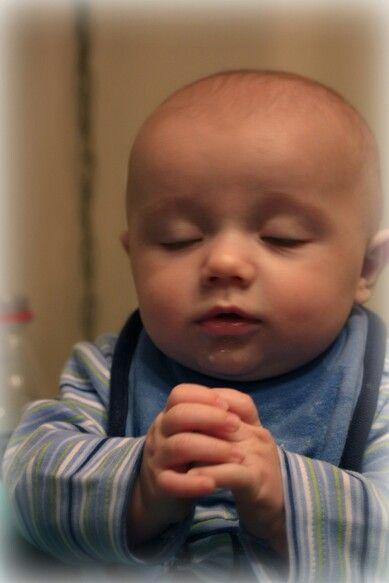 toddler praying-1