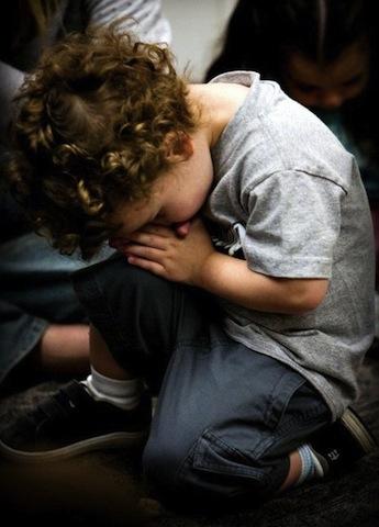 toddler praying-5.jpg