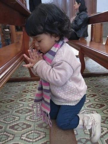 toddler praying-6