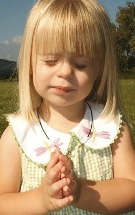 toddler praying-7
