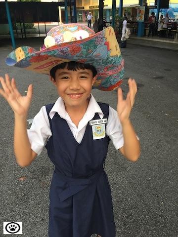 shaye wearing sombrero-2